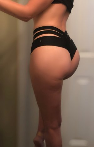 Nohemie nuru massage in East Wenatchee