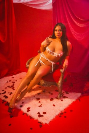 Nency erotic massage