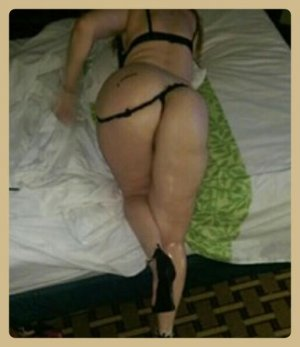 Emelia nuru massage in Fort Mill